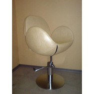 Кресло парикмахерское Кр019