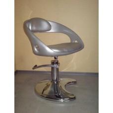 Кресло парикмахерское Кр023