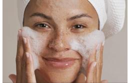 Какие виды очищающих средств лучше всего подходят для вашей кожи